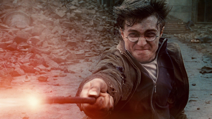 HARRY POTTER AND THE DEATHLY HALLOWS: PART 2, Daniel Radcliffe, 2011. ©2011 Warner Bros. Ent. Harry