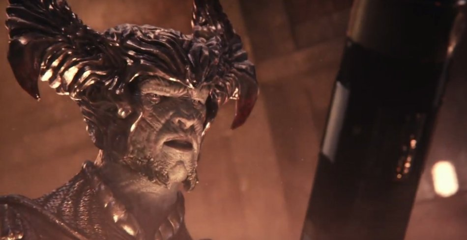 justiceleague-steppenwolf-missile