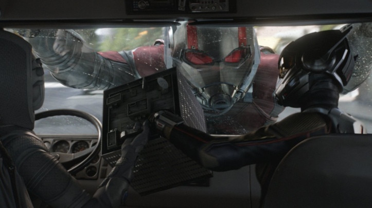 new-info-on-how-ant-man-and-the-wasp-connects-to-avengers-4-and-a-new-clip-features-luis-recruitment-social